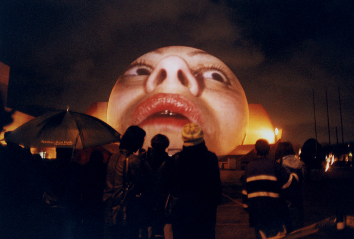 Illustration 1. Krzysztof Wodiczko, The Tijuana Projection (2001). Organized and commissioned by INSITE 2000, part of the project in the Border Art Festival of San Diego and Tijuana. Photo courtesy of Krzysztof Wodiczko.