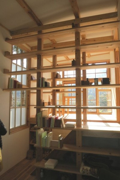 Images 6 & 7 - Idetsuki Hideaki, Hidden Library. Photos courtesy of Green Valley NPO.